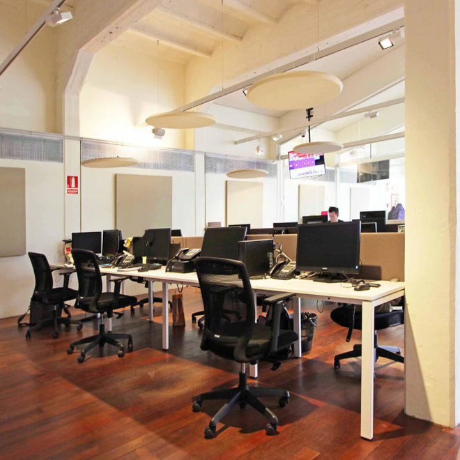acoustics-in-call-centers-ceiling-sound-absorbing-panels