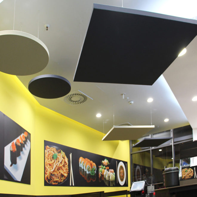 paneles-acusticos-colgados-a-techo-cuadrados