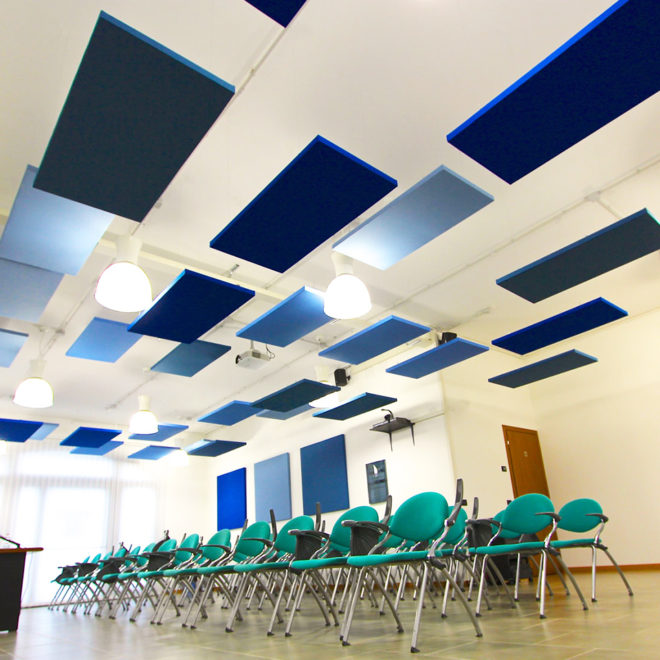 paneles-aislamiento-acustico-a-techo-sala-multifuncional